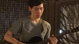 戸川よう平ソロギター